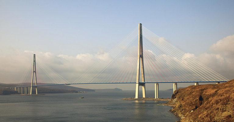 Вантовый мост на остров Русский  через пролив Босфор Восточный (Владивосток)