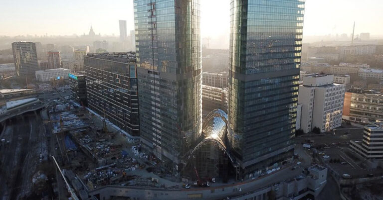 Выполнен очередной этап работ на строительстве межбашенного пространства Административно-торгового комплекса в Москве